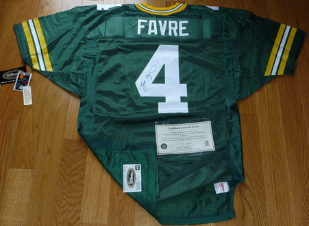 Brett Favre hand-signed   1996 Wilson Game Equipment   PRO LINE Authentic  Green Bay Packers  Home Jersey  with Official Score Board  Authenticated COA!