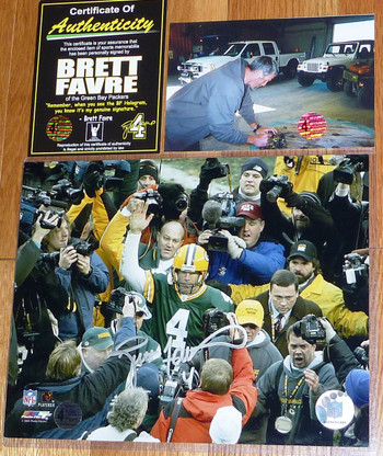 GREEN BAY PACKERS BRETT FAVRE 4 AUTOGRAPHED SIGNED Waving 8x10 PHOTO FARVE COA