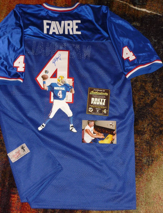 GREEN BAY PACKERS BRETT FAVRE AUTOGRAPHED LIMITED EDITION 2 of only 4 HAND PAINTED PRO BOWL JERSEY Brett Favre AUTHENTIC SIGNING PHOTO & COA