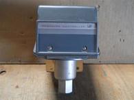 United Electric Controls (8523 146B) Type J300 Pressure Switch, New Surplus