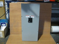 Murray Enclosed Circuit Breaker (LC200VS) New in Box
