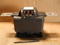 General Electric (753X40G18) JKM-3 5KV 100/200:5 Current Transformer, New Surplu