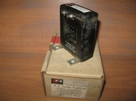 CUTLER HAMMER CURRENT TRANSFORMER (D60LT5) NEW IN BOX