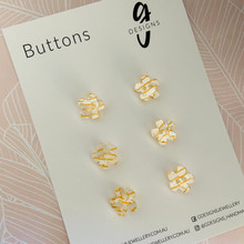 Buttons - 15mm Flower - 'WHITE TUNNEL'
