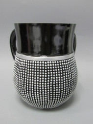 Polyresin Washing Cup Black White Balls