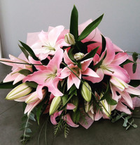 * BOUQUET OF PINK LILIES