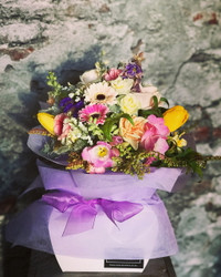 Cottage Posy in a Vox