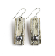 "S28W Superior Freshwater Pearl Earrings by Tessoro Jewelry, natural birchbark, hand hammered sterling silver, freshwater pearl, sterling silver ear wires, 1"" x 3/8""."