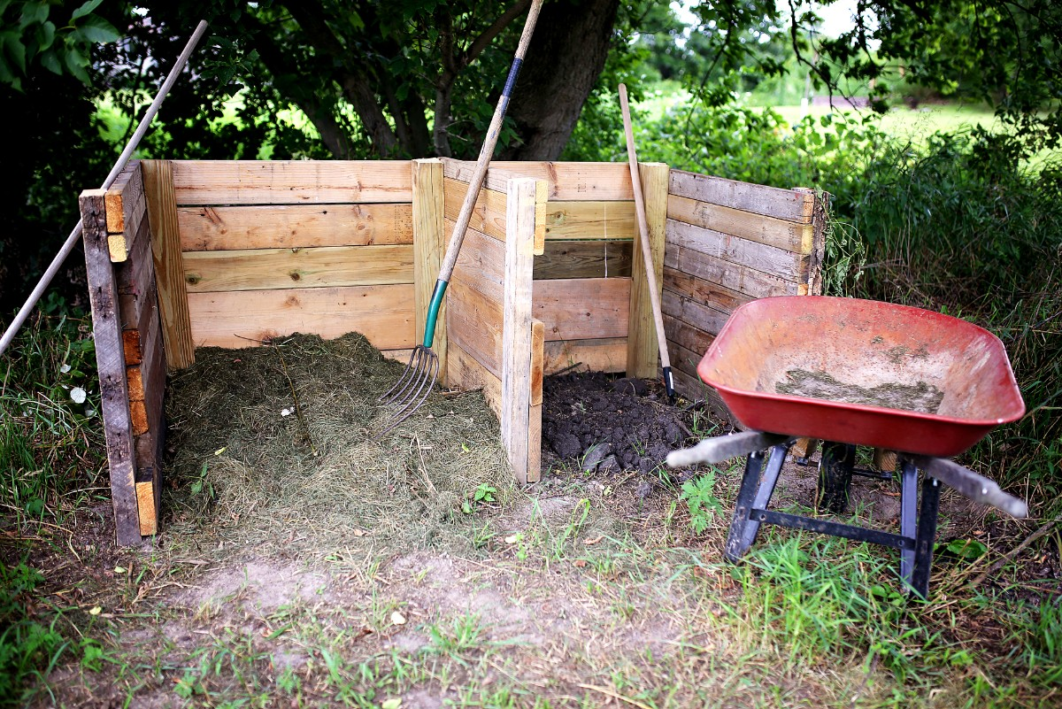 Composting Builds Healthy Communities