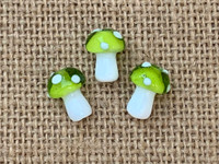 1 | Green Polka Dot Mushroom Bead Lampwork Glass