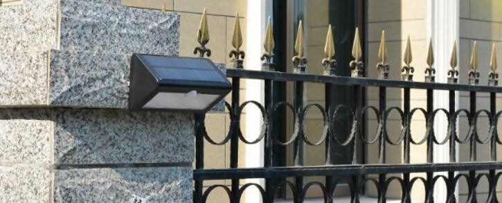 Triangle Solar garden wall lamp
