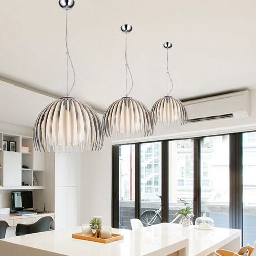 The application of three lamps in the dining room