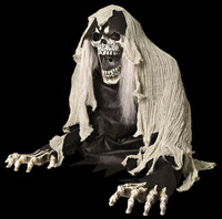 Animated Life Size Wretched Reaper Blowing Fog Halloween Prop Decor