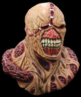 Deluxe Resident Evil Nemesis Creature Monster Halloween Costume Mask & Shoulders