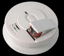 Kidde i2060 120V AC/DC smoke alarm with spring load, and Hush