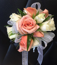 Creamsicle Wristlet in Rockville MD, Palace Florists