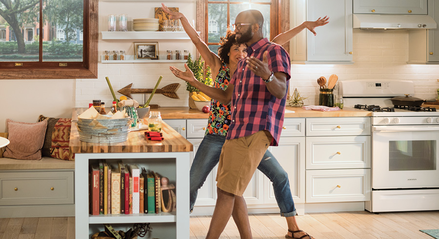 Small Kitchen Ideas With Big Personality | KraftMaid® Cabinetry