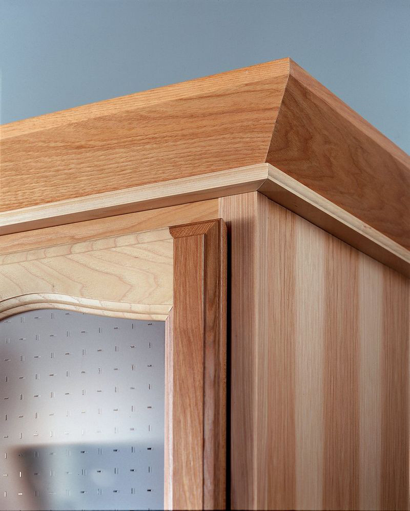 Crown Molding In Kitchens: Angle Crown Molding With Stack Molding