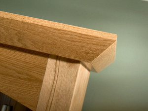 Angle Crown Molding in Natural Oak