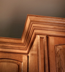Classic Crown Molding in Honey Spice Cherry