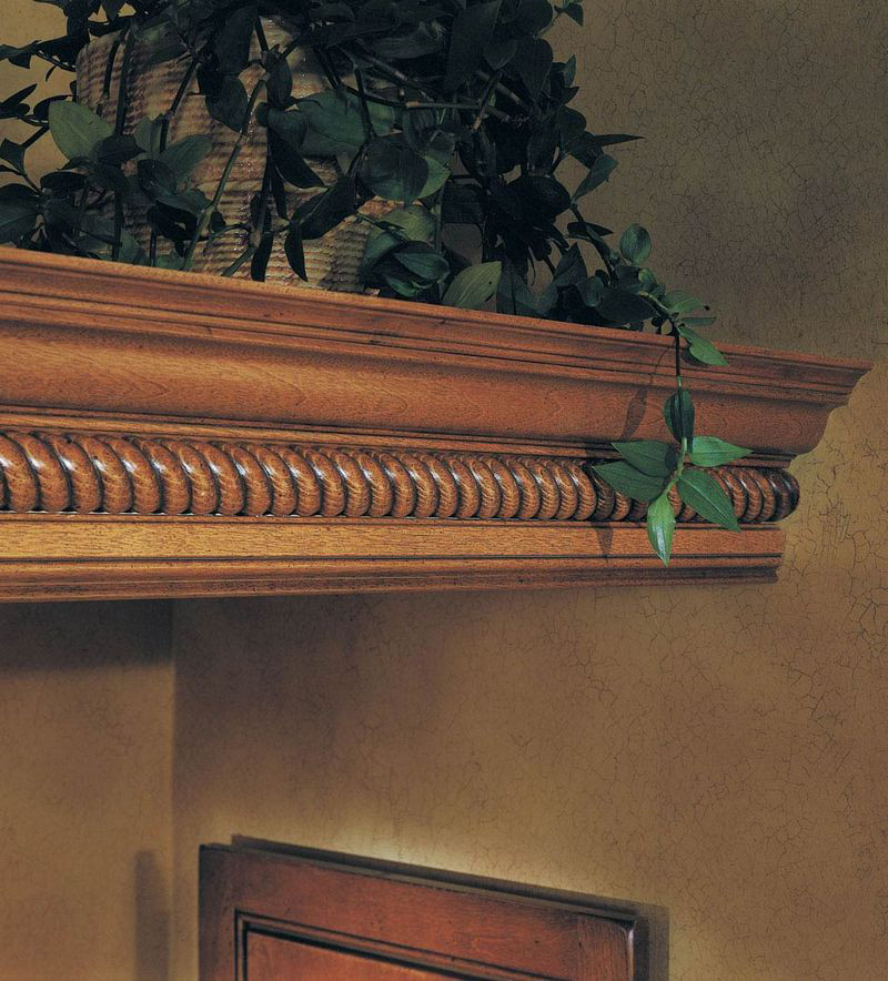 Kraftmaid Insert For Classic Crown Molding Kitchen Cabinet: Large Rope Molding With Classic Crown As Shelf Detail