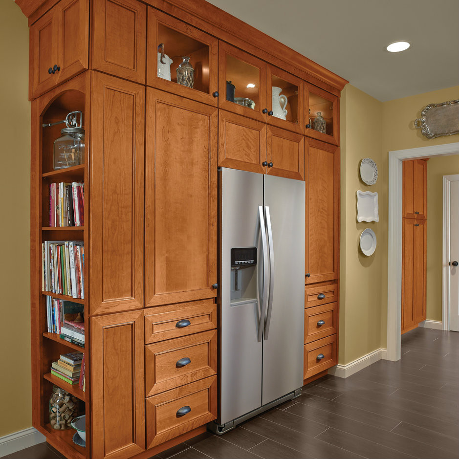 Kitchen Maid Cabinet: Pantry Zone