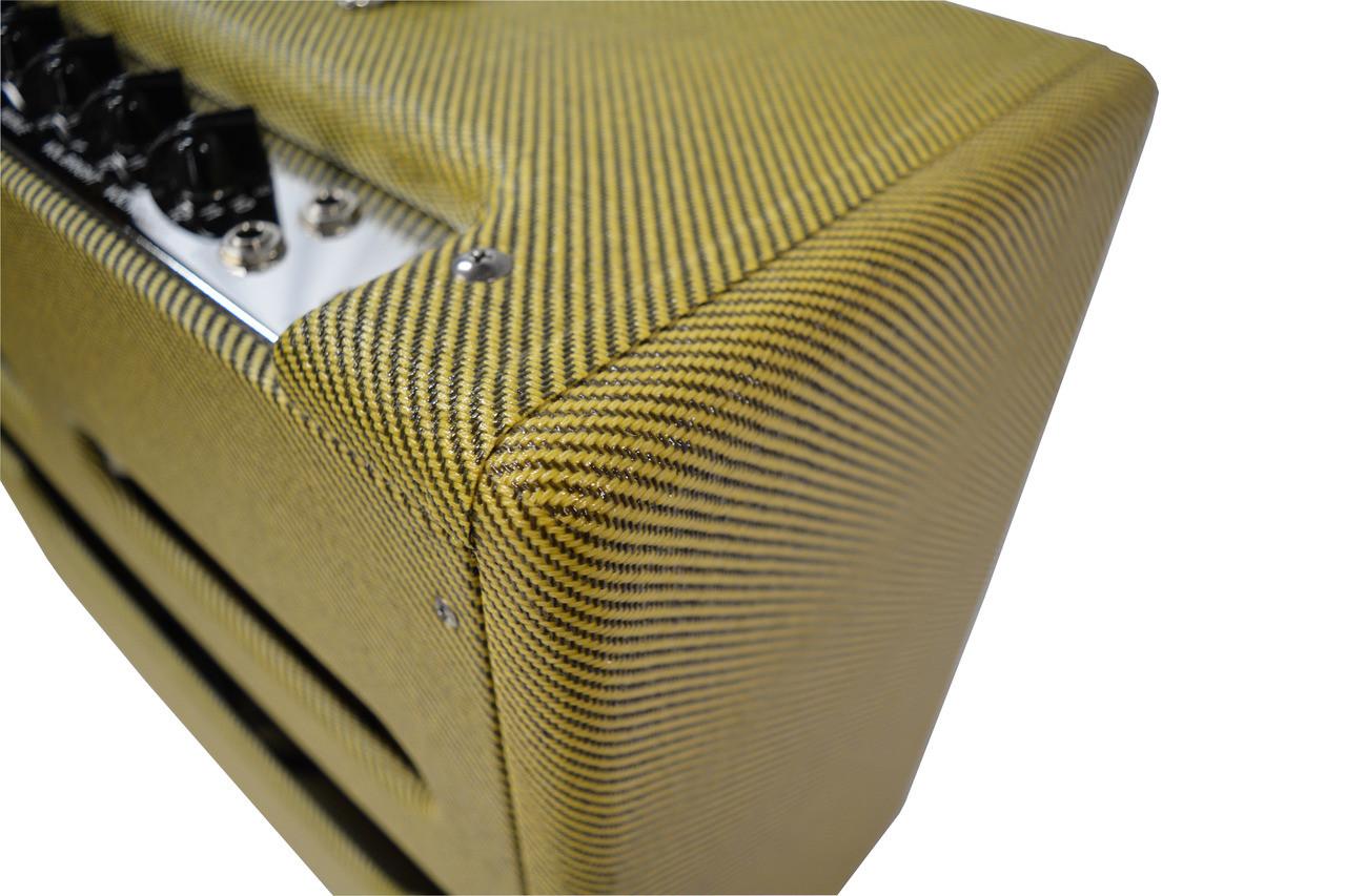 Achillies Amps Tweed Cloth Covering Corner