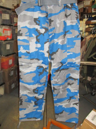 NEW-ONE-REGAL WEAR CARGO PANTS/TROUSERS STYLE 6CP01 TEAL CAMO SIZE W-38 -L-32