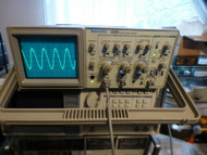 Tektronix 2225 50 Mhz Oscilloscope with 1 Probe and 2 BNC Cables Unit #2