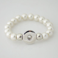 STRETCH WHITE PEARL BRACELET