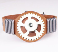 LALAKI - TRIUMPH WHEEL LEATHER BRACELET (CAMEL)