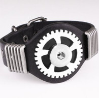 LALAKI -  TRIUMPH WHEEL LEATHER BRACELET (BLACK)