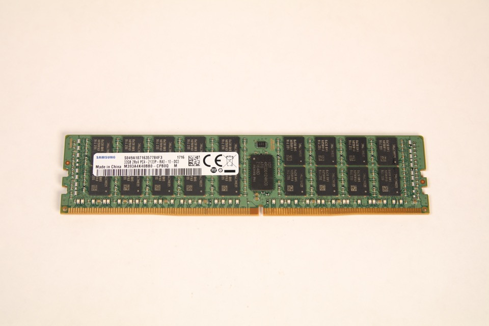 M393A4K40BB0-CPB SAMSUNG 32GB DDR4 2133 RDIMM 2Rx4  PC4-17000 1.2V 288-PIN SDRAM