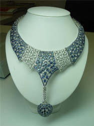 18k White Gold Diamond and Sapphire Necklace Earrings Set