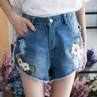 Knitting Flower Denim Shorts