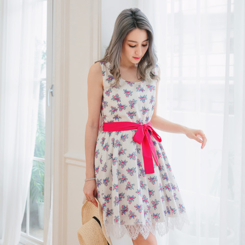 Pattern Lace Dress
