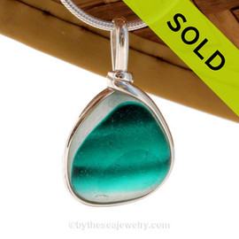 A vivid Teal Gree4n English Multi sea glass set for a necklace in our Original Sea Glass Bezel© in solid sterling silver setting. Sorry this Sea Glass Jewelry Selection is NO LONGER AVAILABLE!