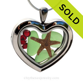 A great sea glass locket to show your love of the beach and Christmas. SOLD -  Sorry this Sea Glass Jewelry selection is no longer available.