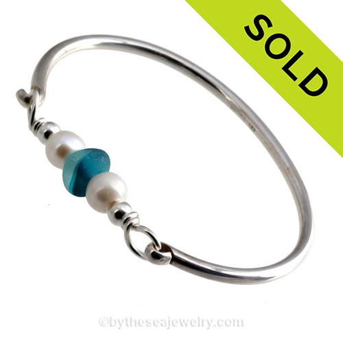 Vivid mixed aqua beach found sea glass combined with real cultured pearls on this solid sterling silver FULL round sea glass bangle bracelet.  SOLD - Sorry this Sea Glass Bangle Bracelet is NO LONGER AVAILABLE!