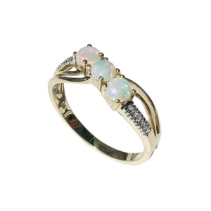 RADIANT STRIKING TRIO 9kt GOLD RING