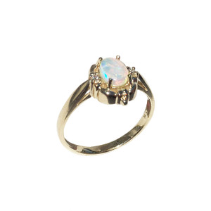 INNOCENT LOVE 9kt GOLD OPAL RING