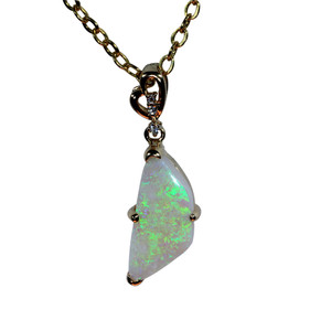 SENSITIVE HEART 14kt GOLD OPAL NECKLACE