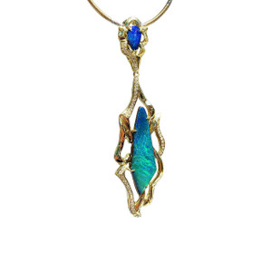 LA PRINCESSE DIAMOND AND 18kt GOLD OPAL NECKLACE