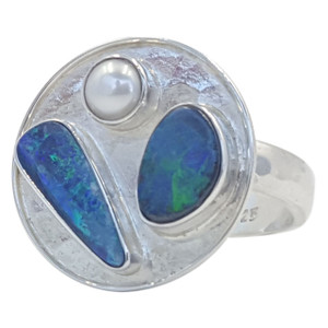 SENSATION OPAL AND FRESHWATER PEARL RING