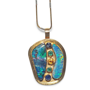 DESIGNER 18KT GOLD OPAL NECKLACE WITH GEMSTONES