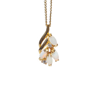 RAIN DROP 18kt GOLD PLATED WHITE OPAL NECKLACE