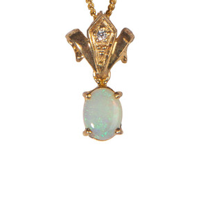 THE PRECIOUS CROWN 18kt GOLD PLATED OPAL NECKLACE
