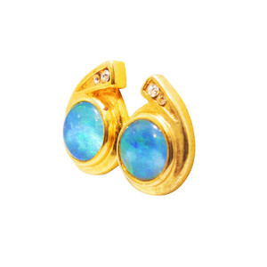 RICH GREEN GRASS 18kt GOLD PLATED OPAL EARRINGS