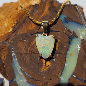 CRYSTAL HEART 14KT GOLD OPAL NECKLACE