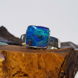 BLUE LIGHT STERLING SILVER OPAL RING